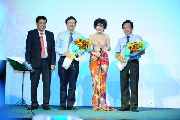 Sự kiện ra mắt Thu Trắng 2 tại Đồng Dao, Việt Nam (2016)